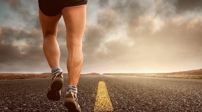 Edző négykézláb akarja lefutni a New York Maratont - Videó
