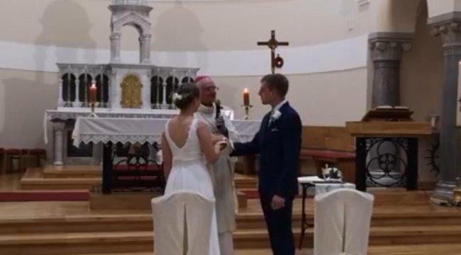 Leleményes: online konferenciát már láttunk, de online esküvőt nem nagyon– videó