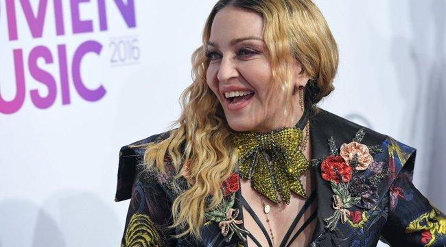 Feneket villantott Madonna – fotó