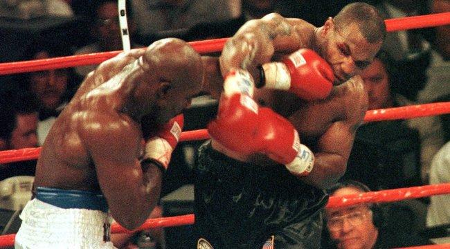 Evander Holyfield harmadszor is kiállna Mike Tyson ellen