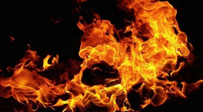 Tűz ütött ki egy raktárépületben Los Angelesben, több tűzoltó megsérült