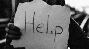 Kocsikba karcolva könyörgött segítségért, majd a mentőben életét vesztette az őrjöngő Zoltán