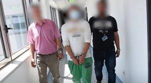 Egy hónapig a rácsok mögött maradnak a Deák téri gyilkosság gyanúsítottjai