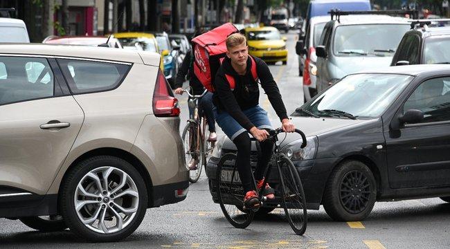 Szakértő: Kudarcra van ítélve a nagykörúti biciklisáv – videó