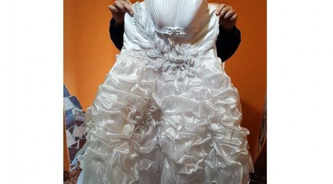 Lopkodta az esküvői ruhákat a biharnagybajomi tinifiú
