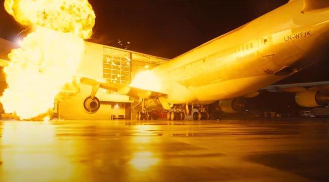 Christopher Nolan meghibbant? Felrobbantott egy repülőgépet új filmje kedvéért