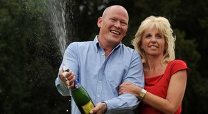 Megkötözték és kirabolták a lottómilliárdos házaspárt