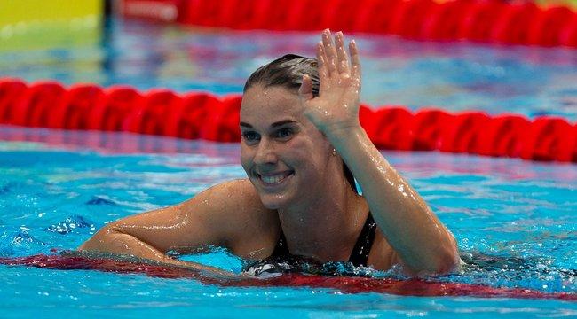 Nem kell sugar daddy - írta a csinos magyar úszó, miután autót vett magának - fotó