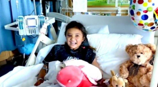 Túlélte a horrorbalesetet a 11 éves gördeszkás lány– videóval