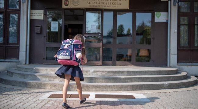 Hogyan állnak vissza ősztől az iskolák? Három forgatókönyv is lehetséges