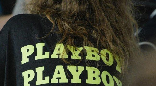 Mindenki ilyen szexi főnökről álmodik: Playboy-modell dirigál Miriuta Lászlónak - fotók