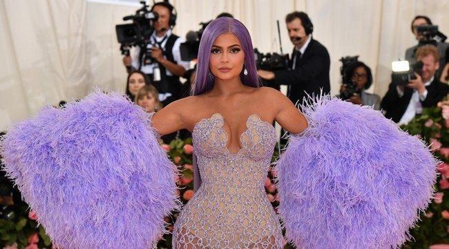 Kylie Jenner a világ legjobban kereső sztárja