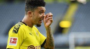 3-3 millióra büntettek két focistát tilos nyiratkozás miatt