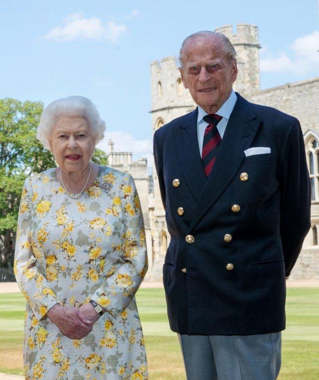 Újra közel került egymáshoz Fülöp herceg és II. Erzsébet királynő |  BorsOnline