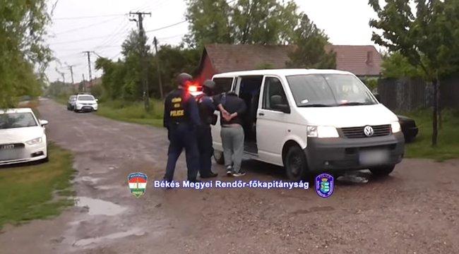 10 éves fiát használta drogfutárnak a kétegyházi férfi - azt mondta a gyereknek, az csak kristálycukor - videó