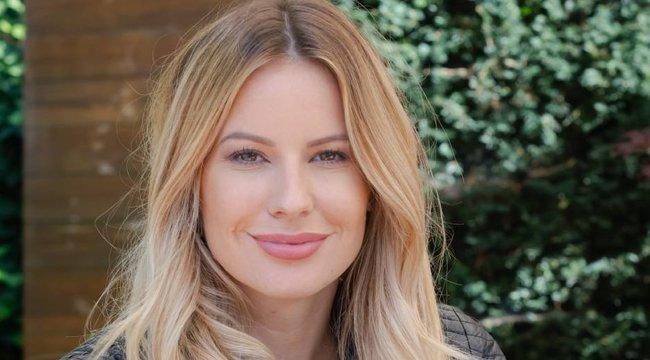 Tőle örökölte Mádai Vivi a szépségét – nézze, milyen gyönyörű a műsorvezető édesanyja!