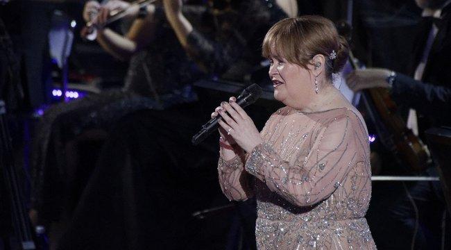 Csípőriszával robbant be a TikTokon Susan Boyle