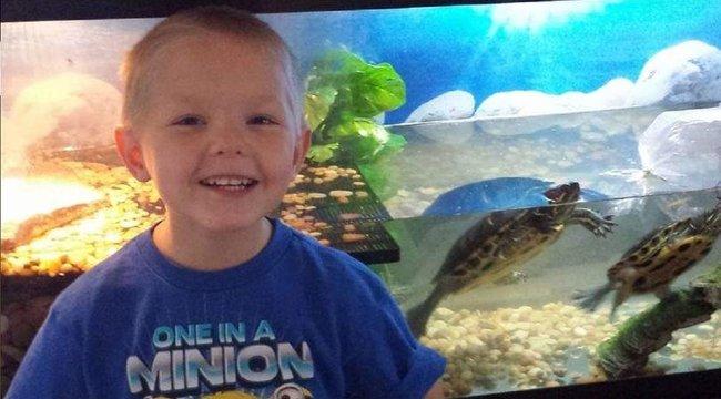 Nincsenek szavak: apja és mostohaanyja vízzel itatta halálra a 11 éves fiút