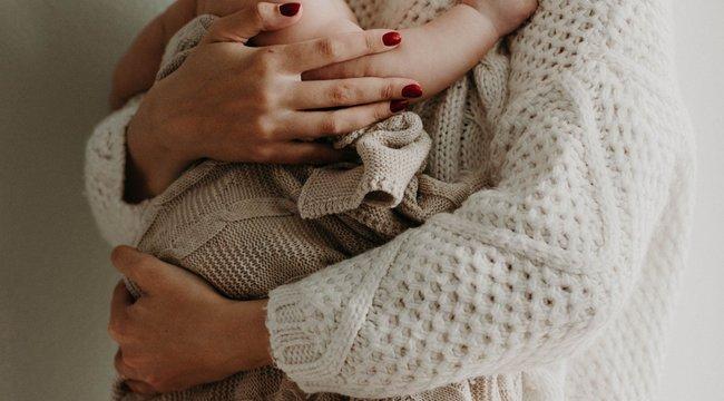 Szívszorító: annyit sírt a koraszülött kisbaba, hogy kilyukadt a tüdeje