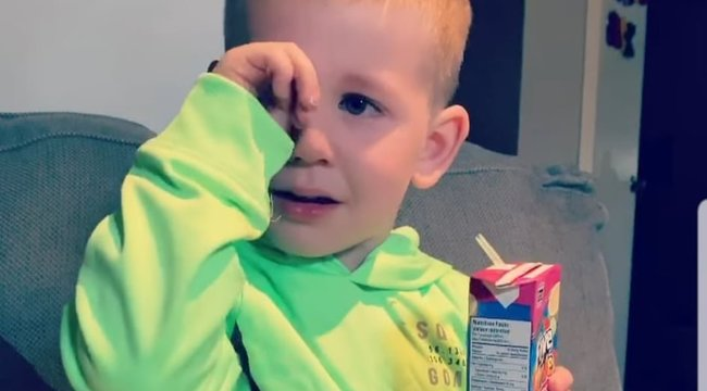 A nap legcukibb videója: ilyen, amikor a gyerek megtudja, hogy nem fognak örökké együtt élni