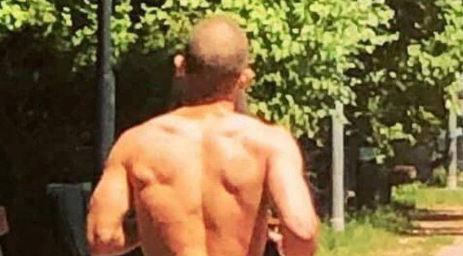 Ilyen nincs és mégis van: meztelen férfi kocogott szombat délben a Margitszigeten - 18+ Fotó