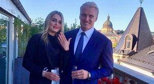 Eljegyezte fiatal barátnőjét a 62 éves Dolph Lundgren