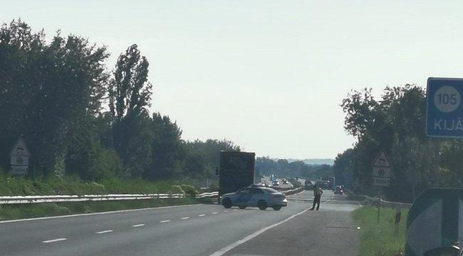 Borzasztó baleset történt Siófoknál: egy nő meghalt, nyolcan megsérültek
