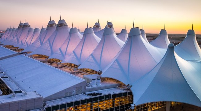 Városi legenda –Titkos erők irányítják Amerika második legnagyobb repterét?