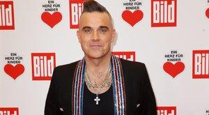 Para: Szellemek járják Robbie Williams házát, a kislánya fél egyedül aludni