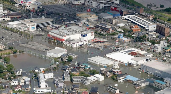 Már 58 áldozatot követeltek afelhőszakadás okozta földcsuszamlások és áradások Japánban - fotók