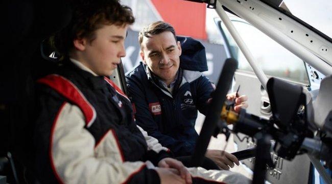 Michelisz Norbert egy 12 éves magyar pilótában látta meg az utódját, akit indít a csapatában