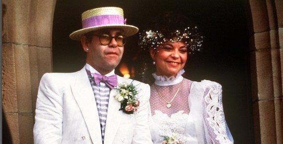 Elton Johnnak máig bűntudata van az exfelesége miatt