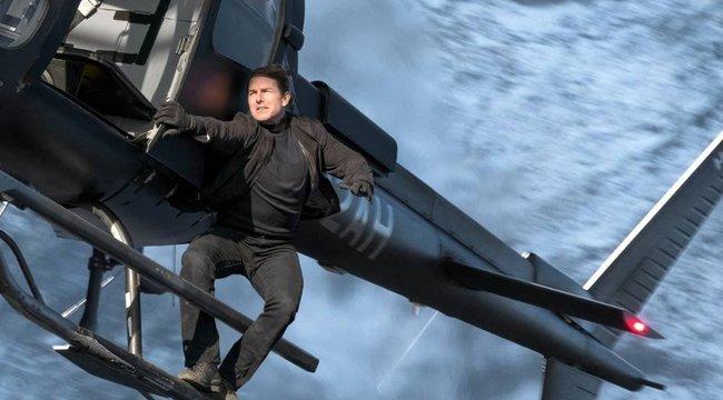 Nem bír magával: a Mission: Impossible forgatási helikopterével jár ebédelni Tom Cruise