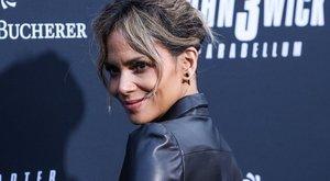 A manóba,Halle Berry újra bepasizott: egy szőrös férfi lábról készült fotóval közölte a hírt