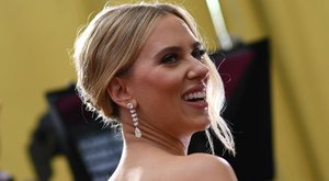 A legnagyobbakat sem kerülheti el: a koronavírus miatt halogatja az esküvőt Scarlett Johansson