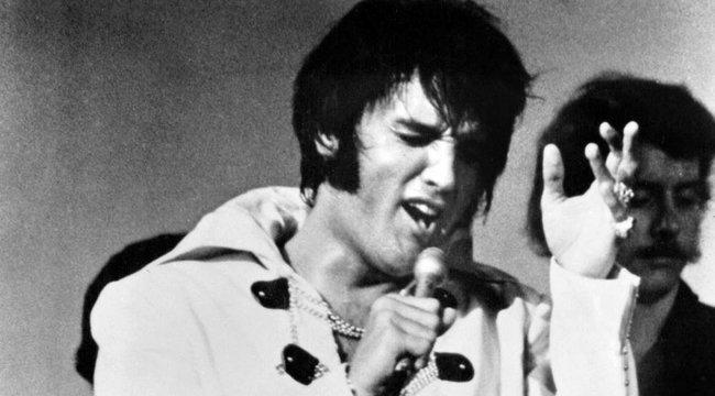 Képtelen volt a falánkságát fékezni – Elvis haláláról mesélt egykori ápolónője