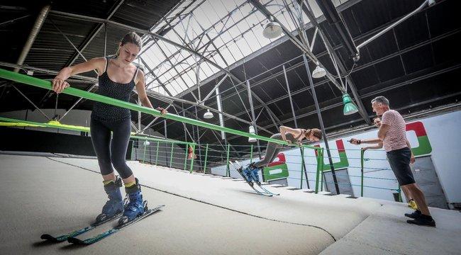 Kánikulában síelni Budapesten? Kipróbáltuk a főváros új nyári pályáját!