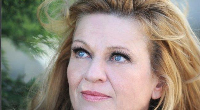 Frajt Edit: Sosem voltam szabályos szépség, inkább érdekes az arcom – interjú