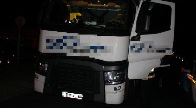 Életveszély az M1-esen: ittas kamionos kacskázott jobbra-balra - videó