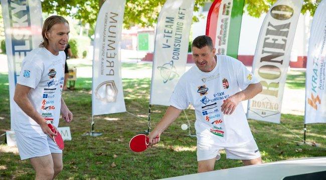 Világrekord a médiválogatott remeklése: Keller Józsi pingpongban is klasszis