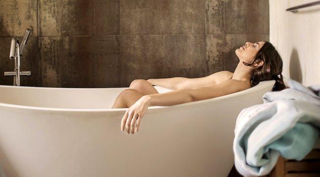 Ezeket a hibákat szinte mindenki elköveti fürdésnél – vajon Ön is?