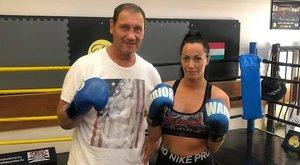 Bunyós Pityuval edz a szexi bokszolónő – fotó