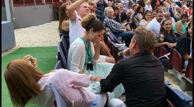 Előadás közben kérte meg szerelme kezét Mészáros Árpád Zsolt – fotók