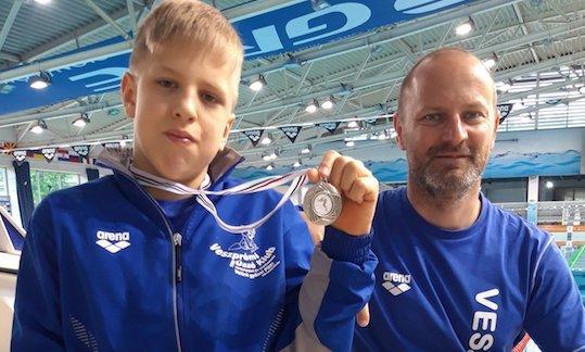 A 11 éves Botond kiszállt a kerekesszékből, és legyőzte a Balatont