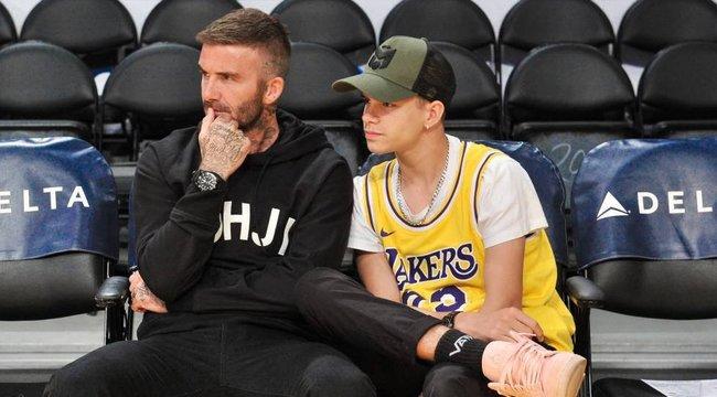 Megkapta első tetoválását David Beckham 17 éves fia – vajon szülei mit szóltak hozzá? fotók