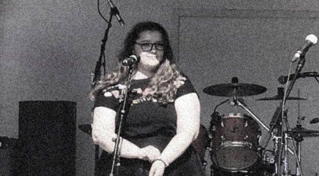 Szebb mosolyra vágyott – belehalt a rutinműtétbe a 15 éves lány