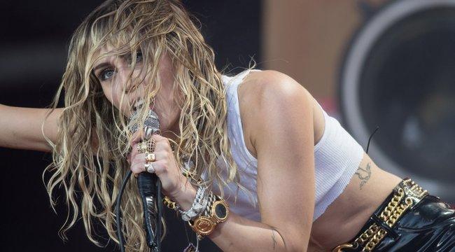 Bizarr! Szexualitásáról vallott Miley Cyrus