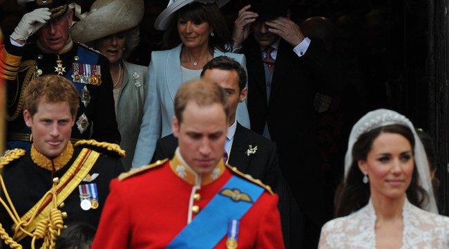Elő a zsepiket: ezekkel a szavakkal ríkatta meg Harry Katalin hercegnét esküvője napján