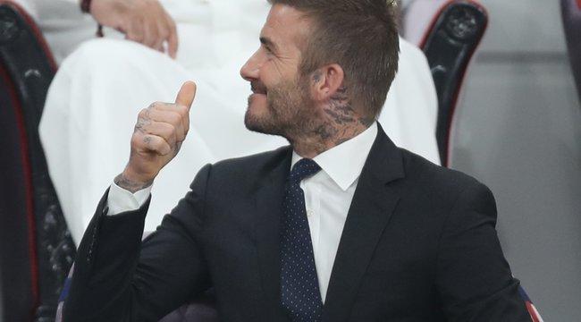 Ezt is megértük: Spice Girls-dalt énekelt David Beckham - videó