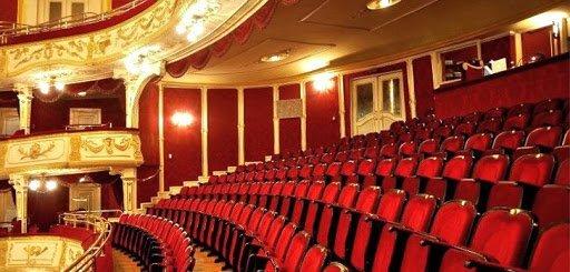 Pozitív koronavírusteszt – Elmaradnak az előadások a Víg- és a Pesti Színházban